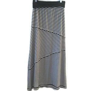 Max Studio Black & White Stripe Knit Maxi Skirt